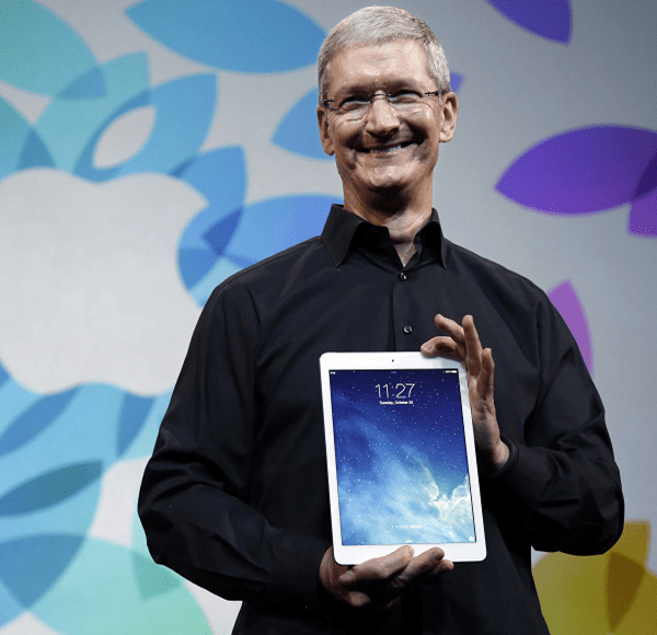 Tim_Cook_iPad_Air