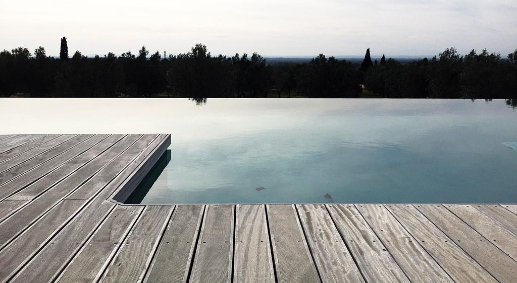 mas lazuli piscine a debordement