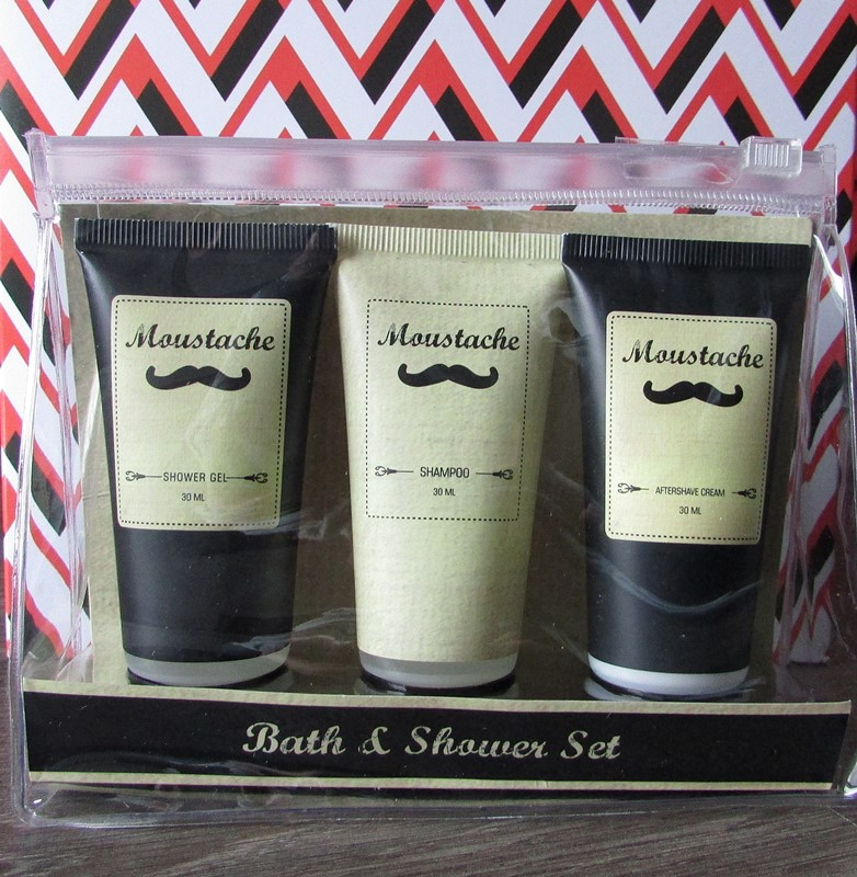 bandit-box-kit-de-voyage-moustache