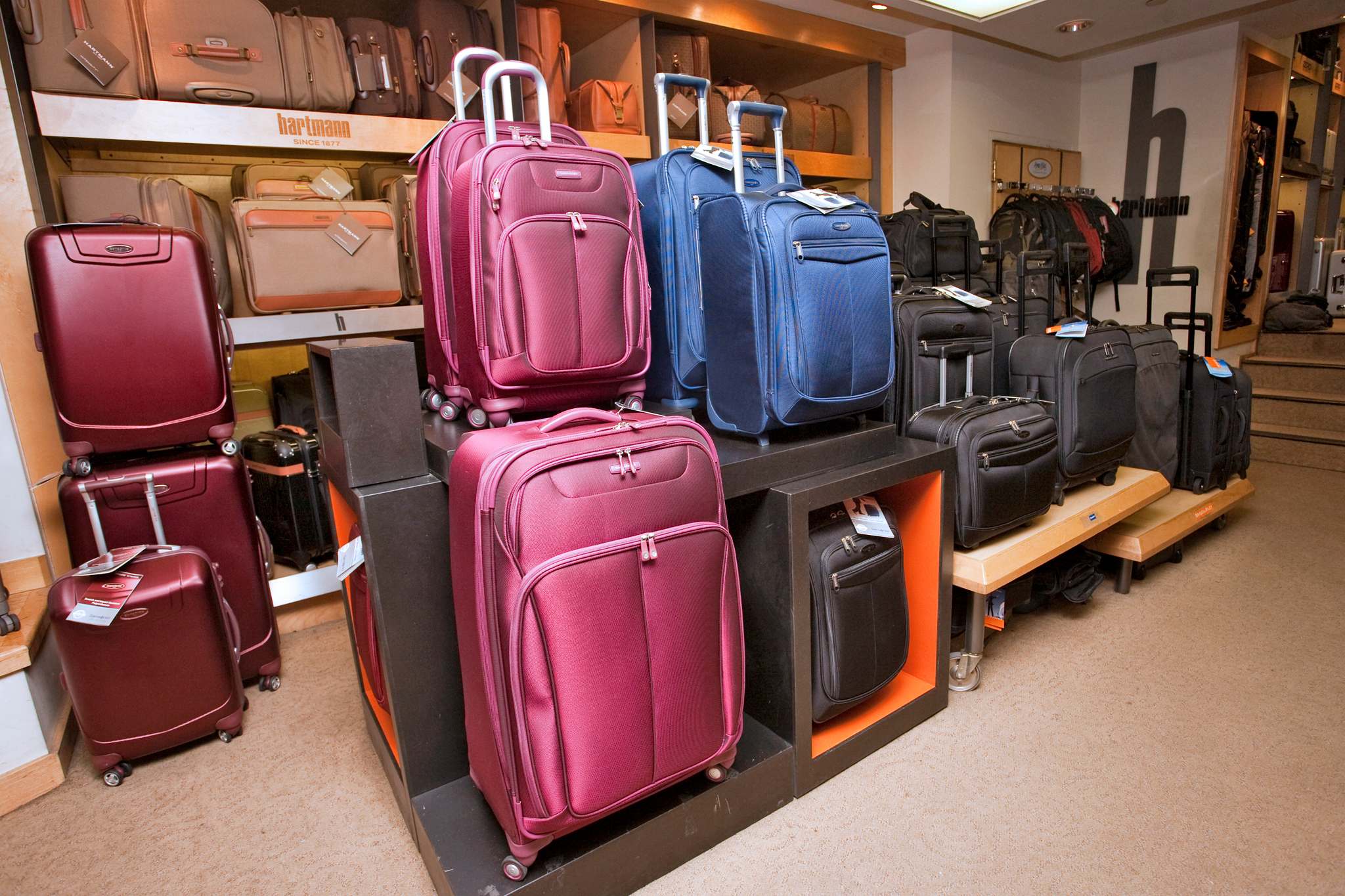Bag Shops Best Luggage Stores In Nyc For Suitcases And Travel Accessories