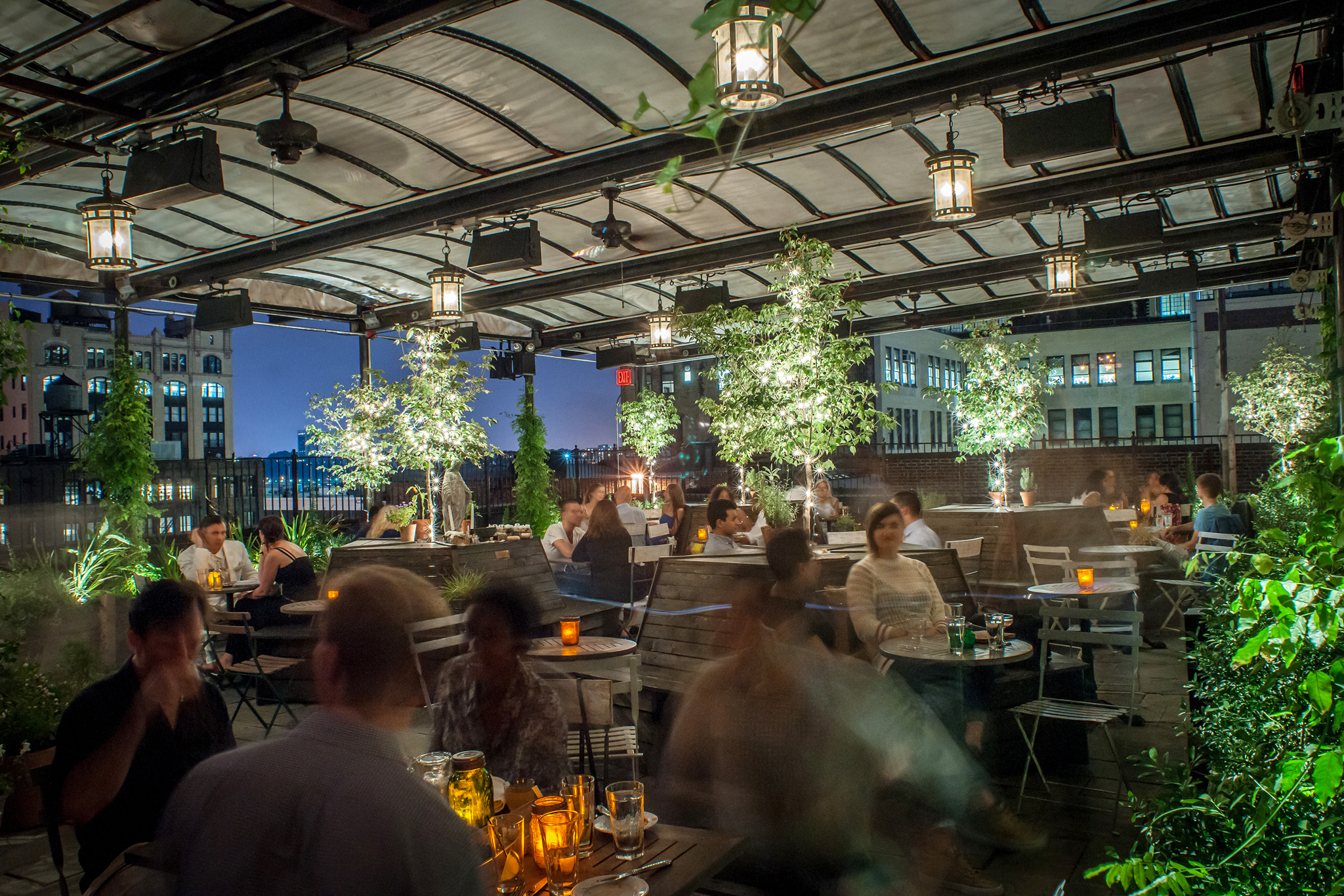 Hotel Toit Terrasse New York Find A Rooftop Brunch In Nyc From Hotel Terraces To Beer