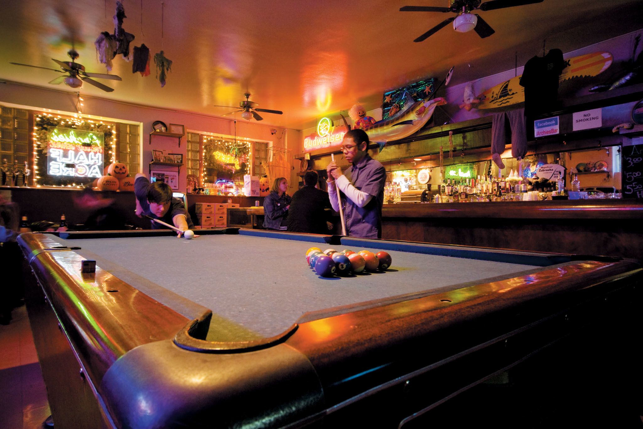 Cash Pool Halle Best Dive Bars In Chicago