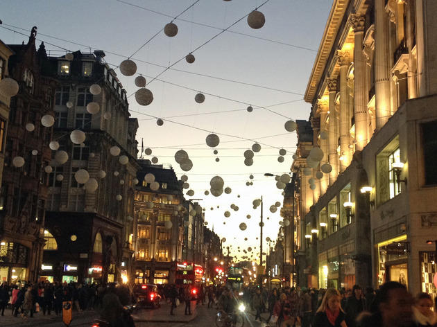 Christmas Snow Falling Wallpaper Oxford Street Christmas Lights Things To Do In London