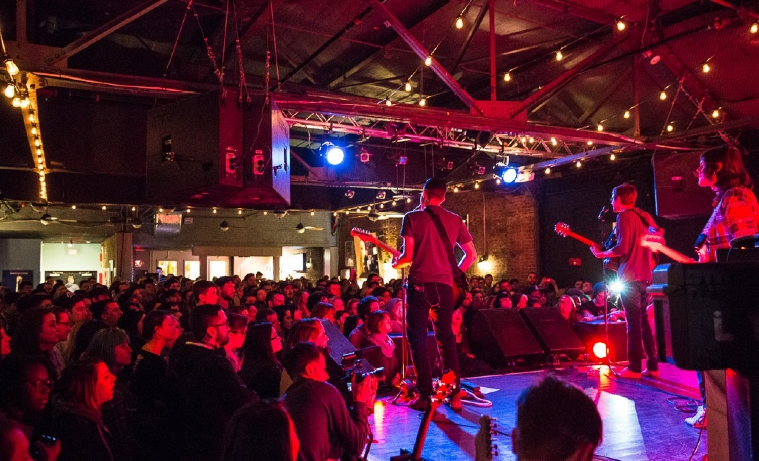 Best Venues For Live Music In Boston Concerts And Solo Acts