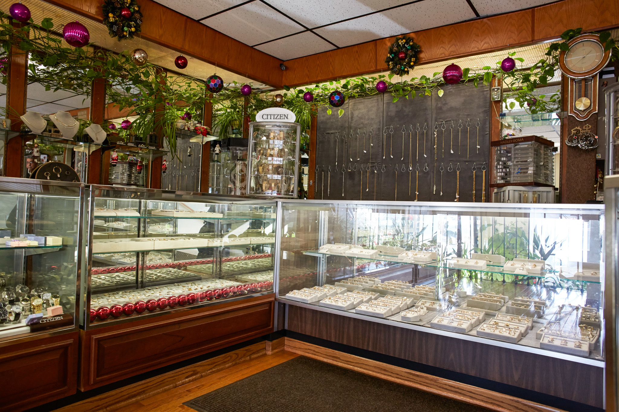 top jewelry stores in chicago wedding ring stores G V Jewelry