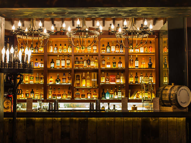 Bars And Pubs In Hong Kong - The Best Places To Drink - Time Out