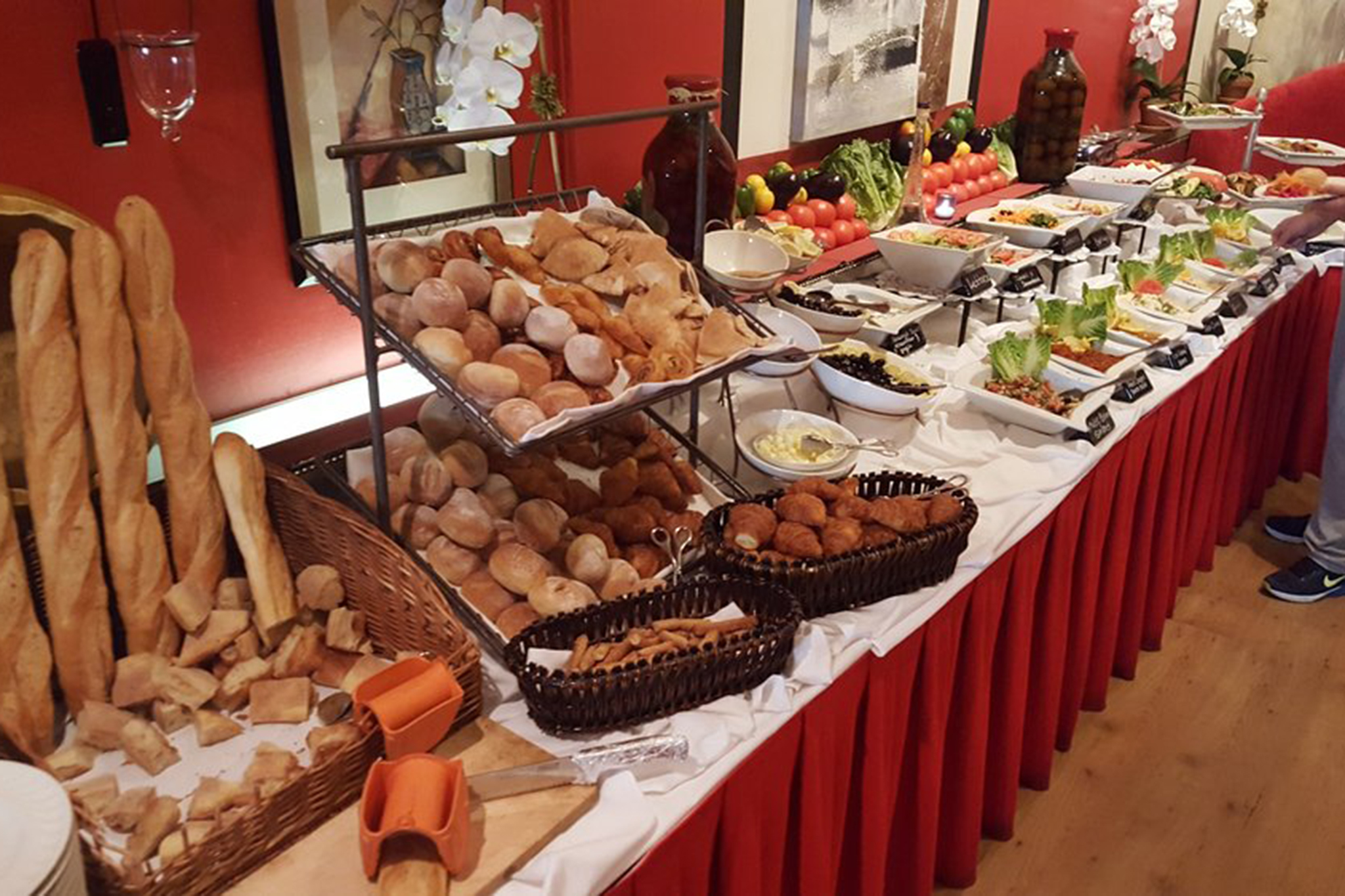 Brunch Buffet Best Buffet Restaurants In Nyc For All You Can Eat Meals
