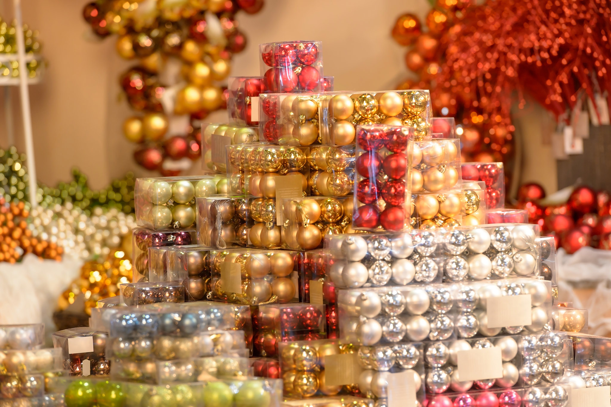 Best Place For Christmas Decorations Best Ornament Shops In Nyc For All Your Christmas Decoration Needs