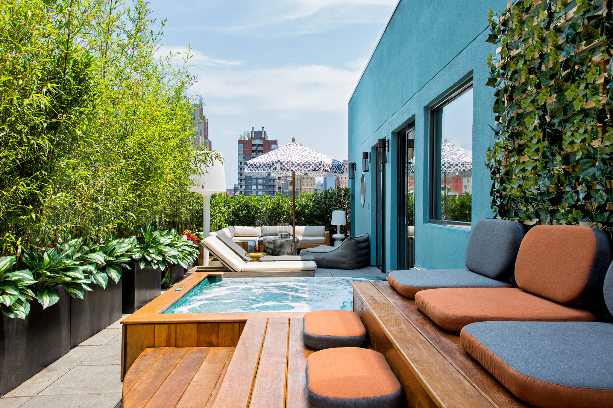 Jacuzzi Pool Hotel 10 Best Nyc Hotels With Jacuzzis In Room For A Relaxing Trip