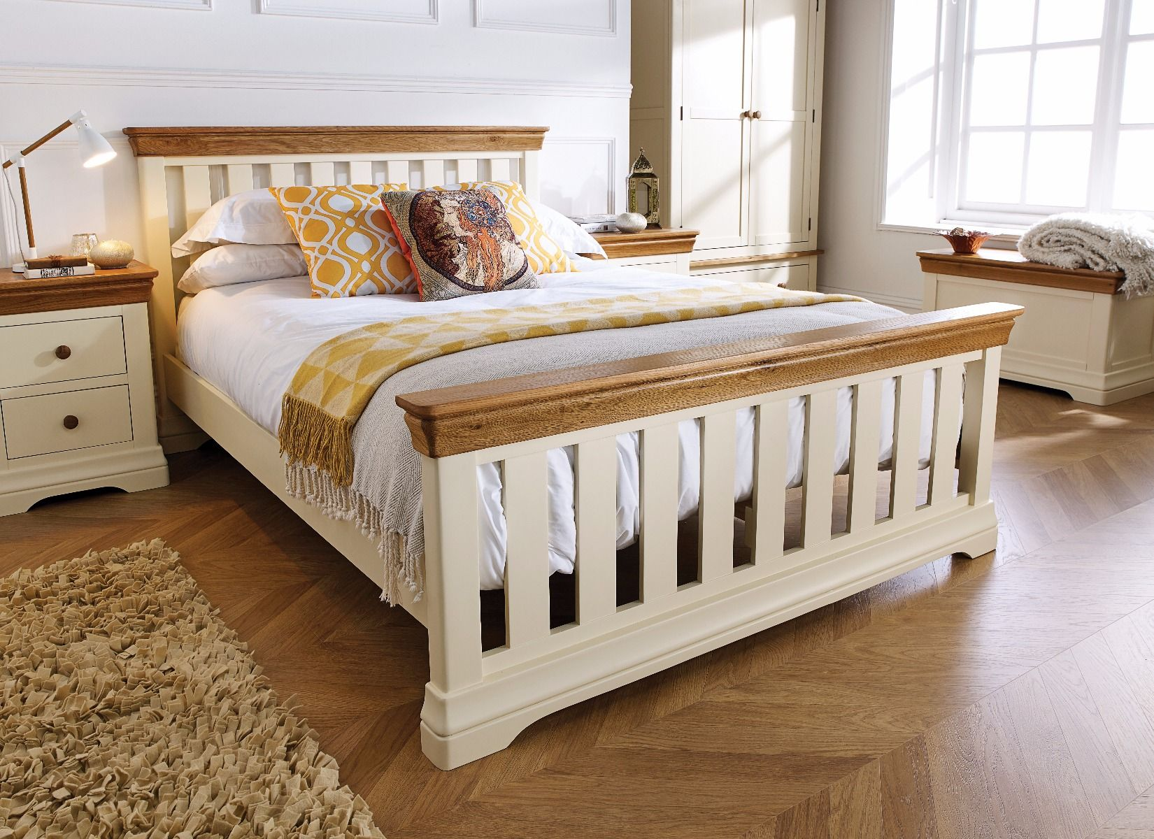 4ft 6 Bed Farmhouse Country Oak Cream Painted Slatted 4ft 6 Inches Double Bed