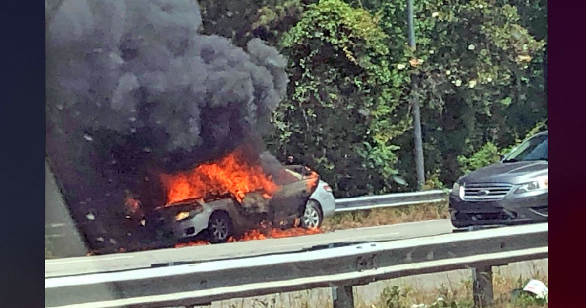 Toddler On Car South Carolina Mom Accused Of Setting Car On Fire With