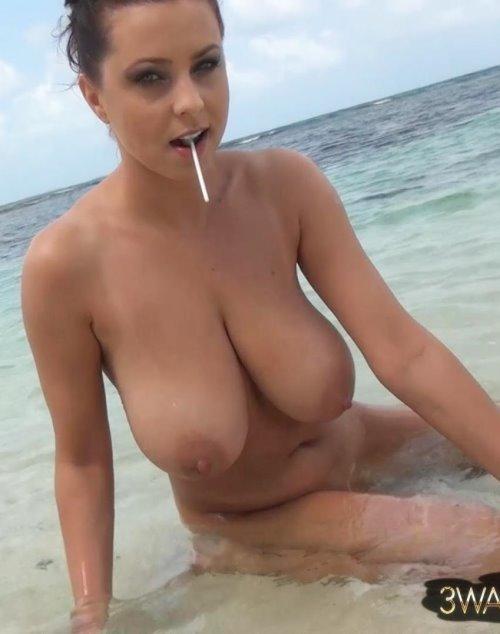 big boobs no bra tumblr