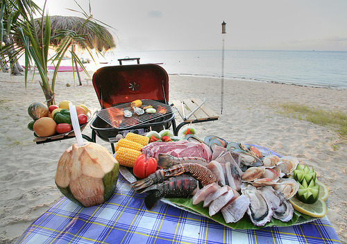 BBQ at the beach healthy eating lovesurf