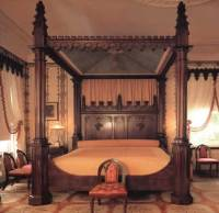 Loftylovin  Gothic & Victorian Style Beds