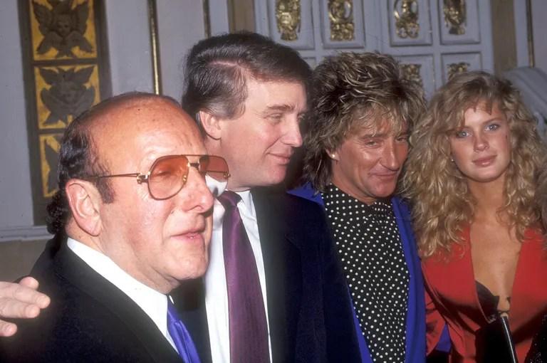 Melania Trump Wore A Pussy Bow Blouse At Sundays Debate
