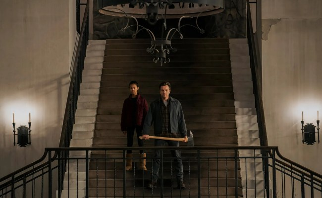 New Image From The Shining Sequel Doctor Sleep Recreates Overlook Staircase Vanity Fair