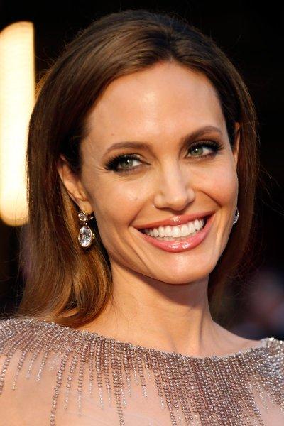 Angelina Jolie Pitt - Photos - Vogue
