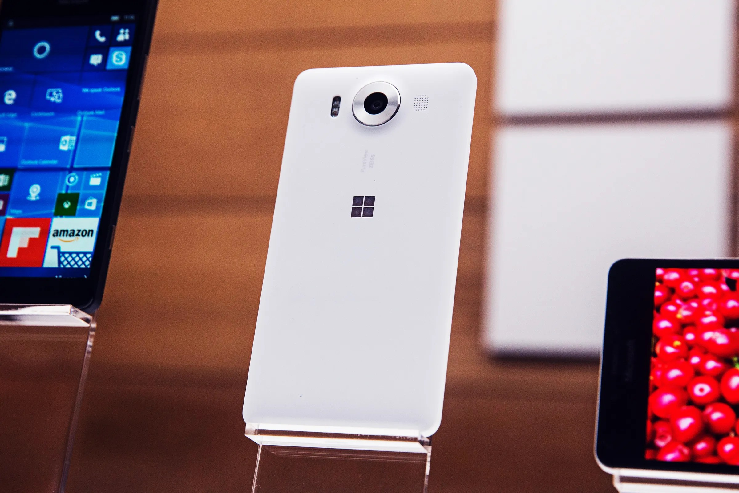 Microsoft Products The Smartest Thing A Tech Company Can Do Don T Make A Phone Wired