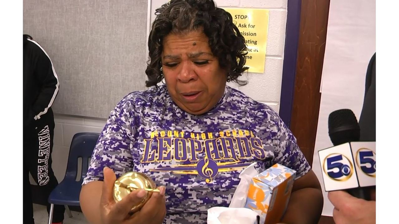 Blount High Throws A Party For Their Golden Apple Winner