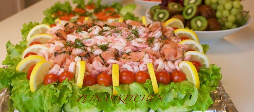 Smörgåstårta med räkor och tonfisk