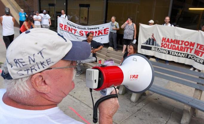 East Hamilton Rent Strikers Offer Landlord Olive Branch