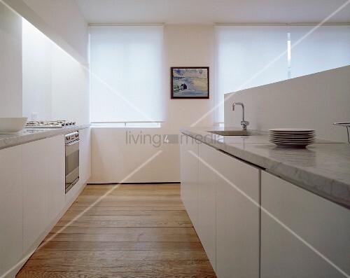 Arctar Weiss Küche Holzboden - weise moderne kuche