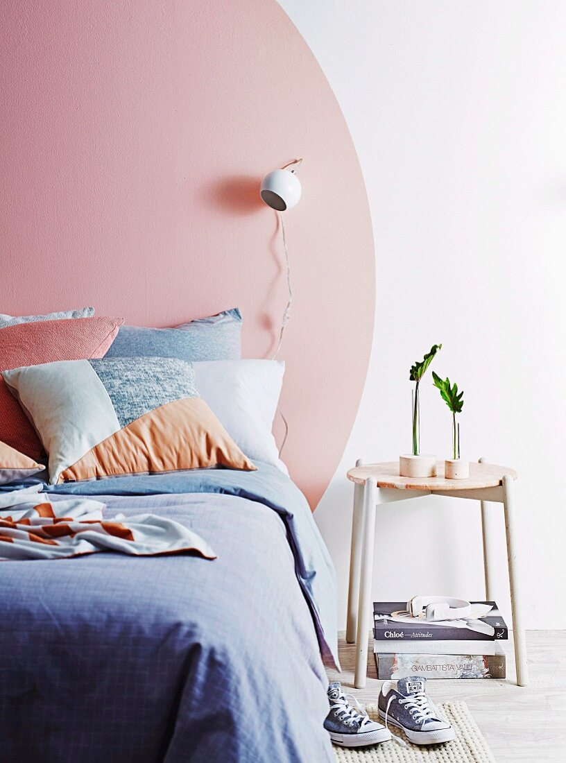 Modern Bedroom With A Pink Circle Buy Image 11511491 Living4media