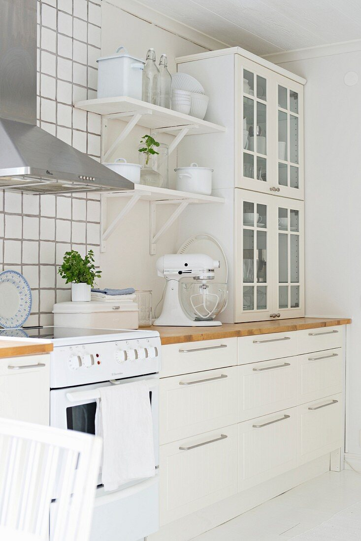 White Shabby Chic Scandinavian Kitchen Buy Image 11319315 Living4media