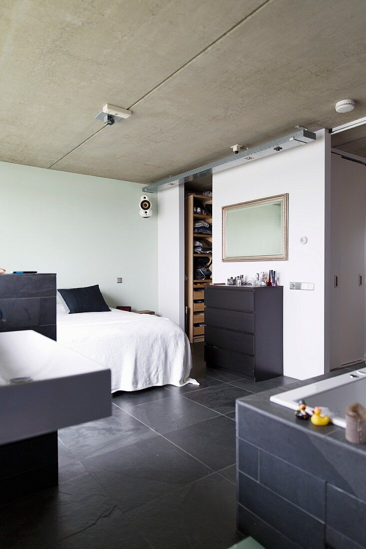 Bedroom With Exposed Concrete Ceiling Buy Image 11350511 Living4media