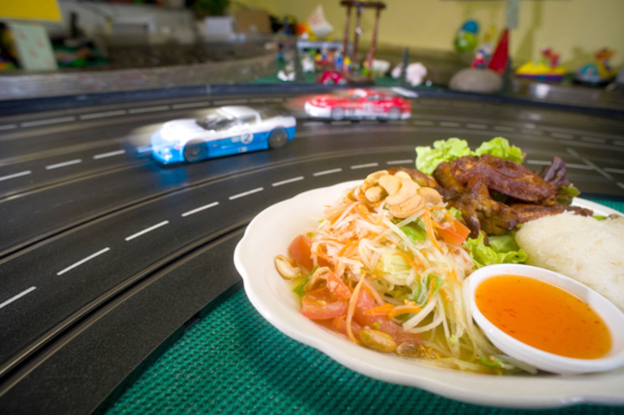 Cuisine Royale Brightness Home Style Thai At Homeroom Racing Cafe East Bay Express