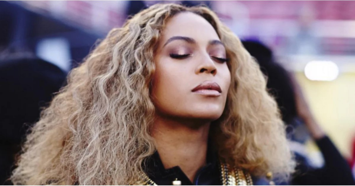 Black And White Boy And Girl Wallpaper Beyonce Hair And Makeup Super Bowl 2016 Popsugar Beauty