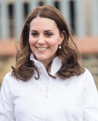 Kate Middleton Wearing Pearl Earrings | POPSUGAR Fashion ...