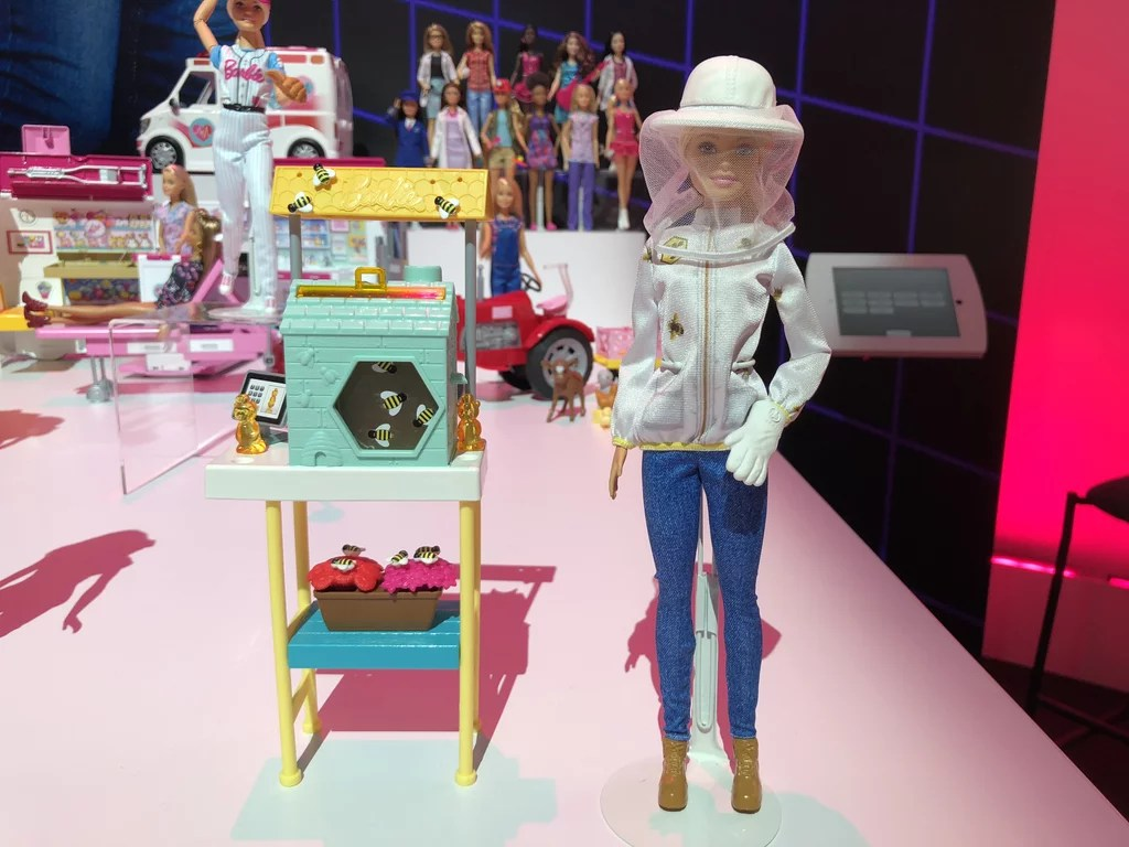 Barbie Toys Australia Barbie Beekeeper Playset New Toys Coming Out In 2018