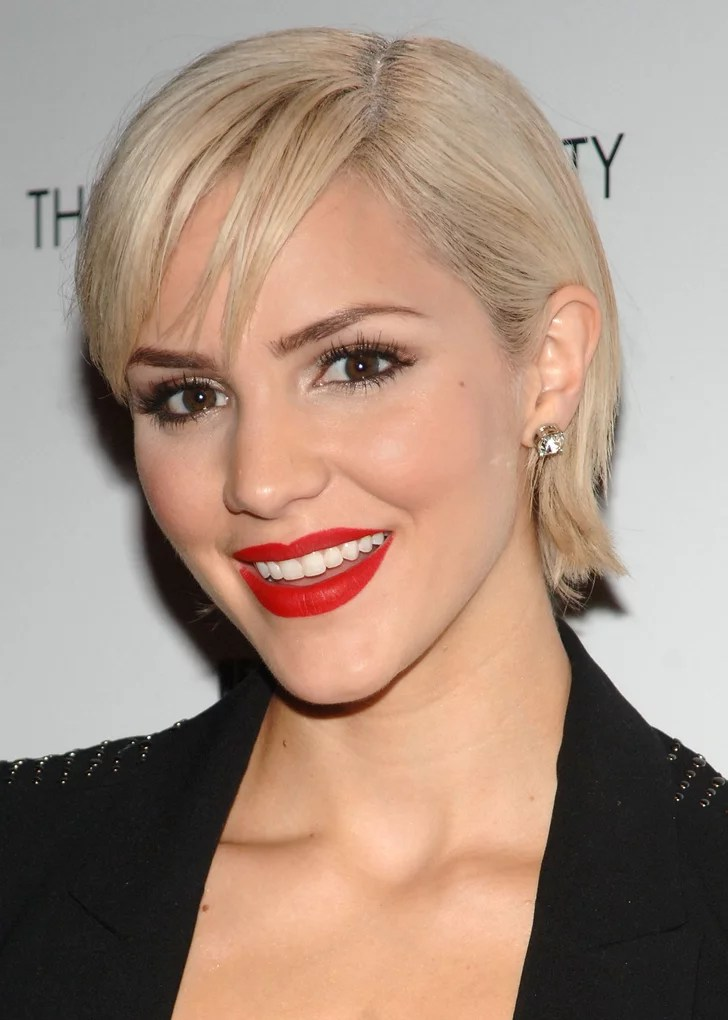 Bob Hairstyles The Back View American Idol 39;s Katharine Mcphee Had A Short Stint As A