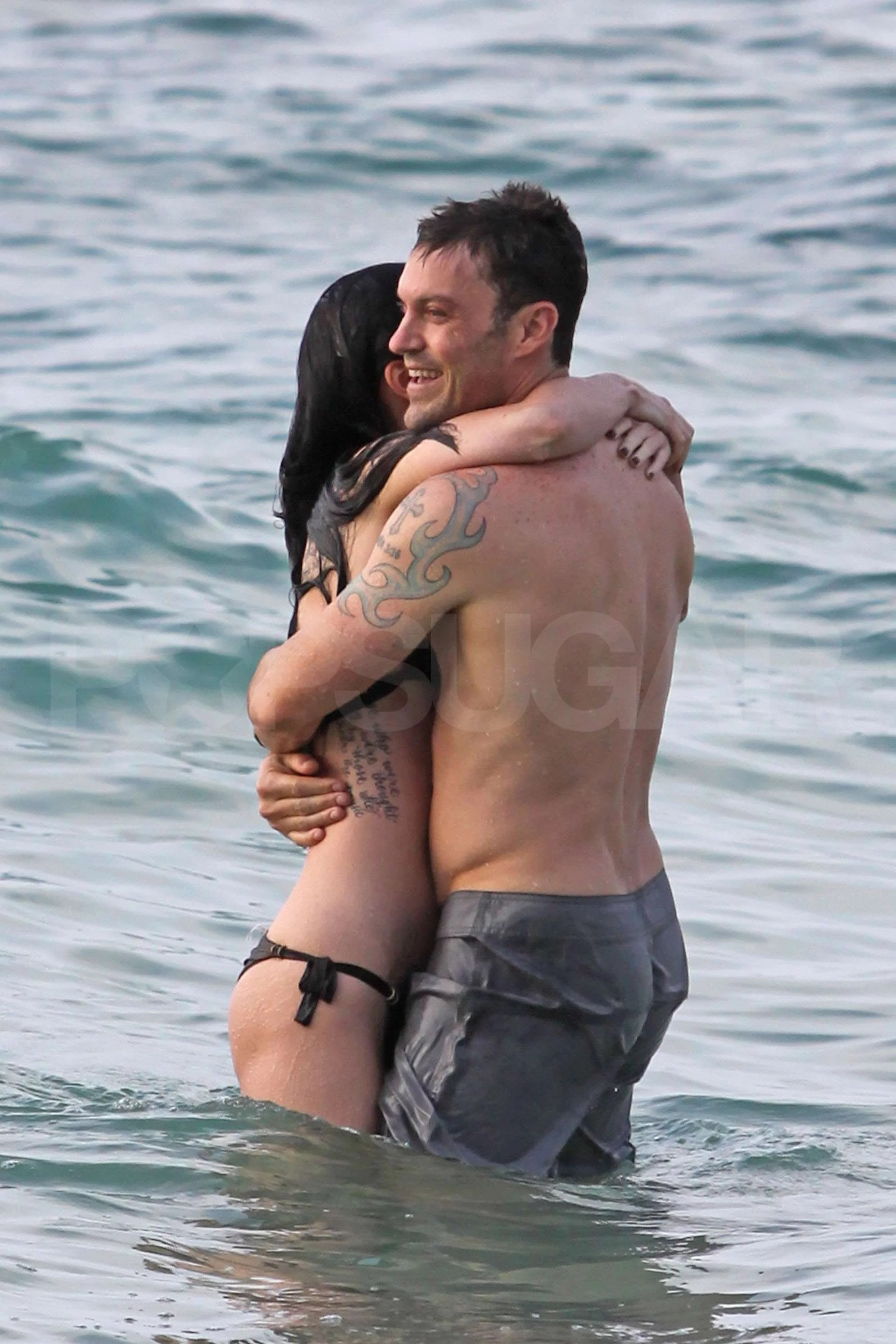 Planet Shoes Myer Megan Fox Bikini Pictures In Hawaii With Brian Austin