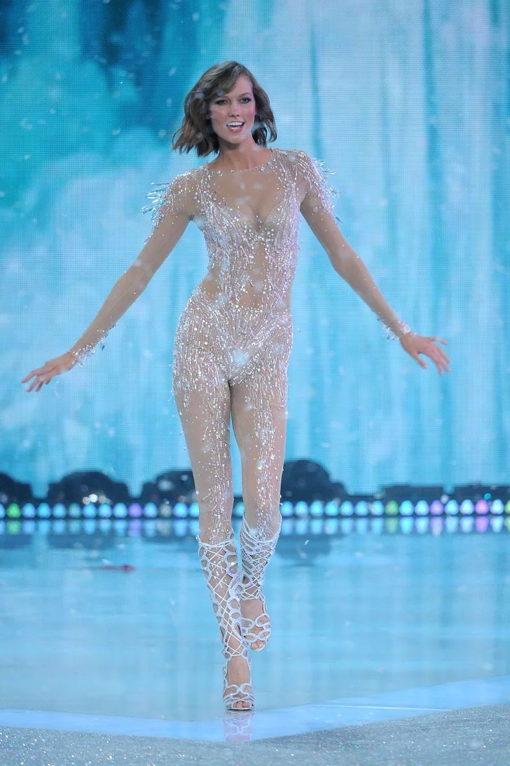 Fall In New York Wallpaper Karlie Kloss In The 2013 Victoria S Secret Fashion Show