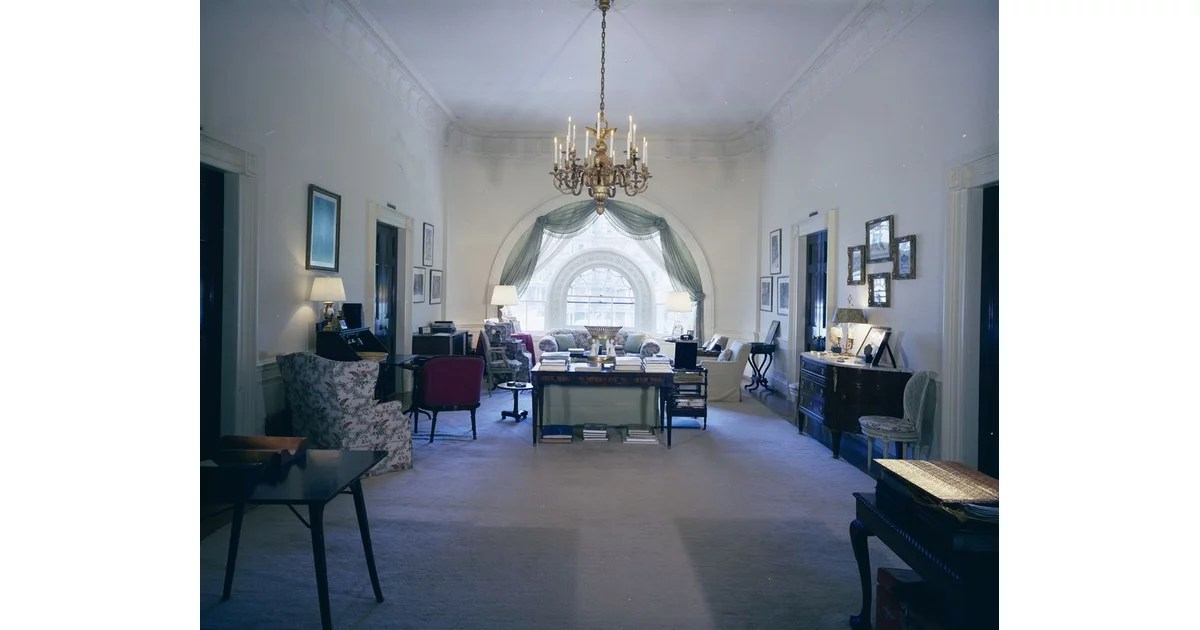 Ikea Chat The West Sitting Hall | Jackie Kennedy White House