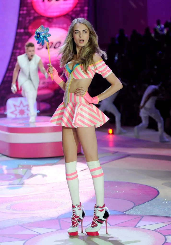 Really Cute Thanksgiving Wallpaper Cara Delevingne S Letter About The Victoria S Secret Show