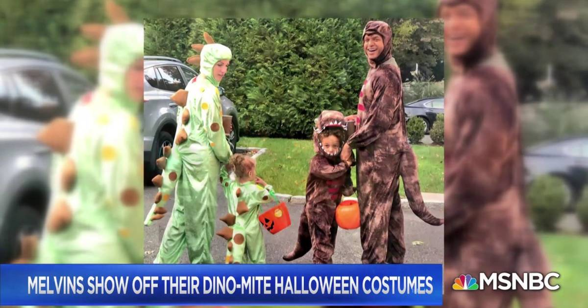 Melvins Show Off Their Dino Mite Halloween Costumes