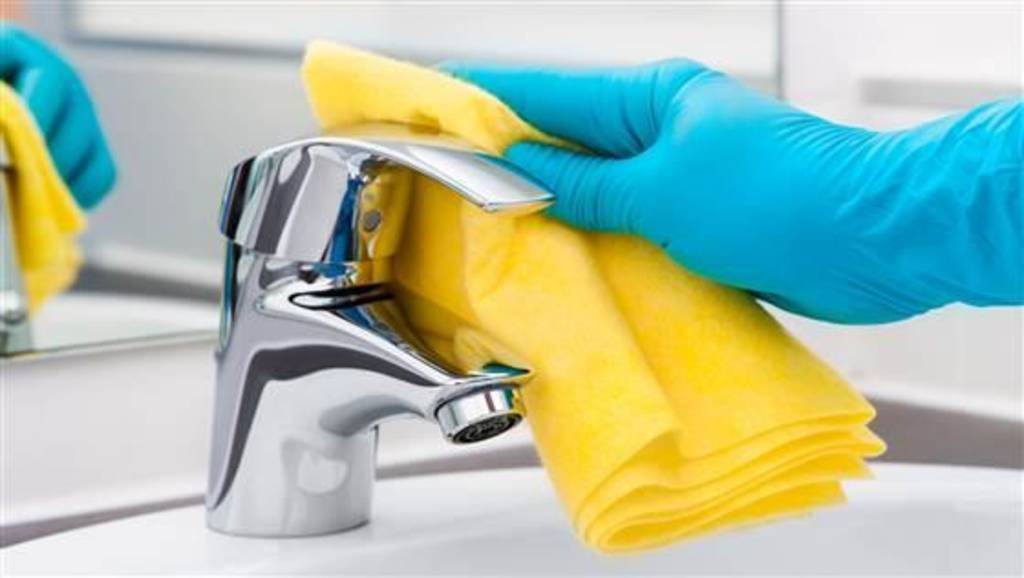 Cleaning tips How one house cleaner uses only 3 products - pictures cleaning