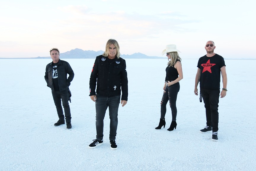 The Alarm\u0027s Mike Peters Is Hitting Back with Love, Hope and Strength