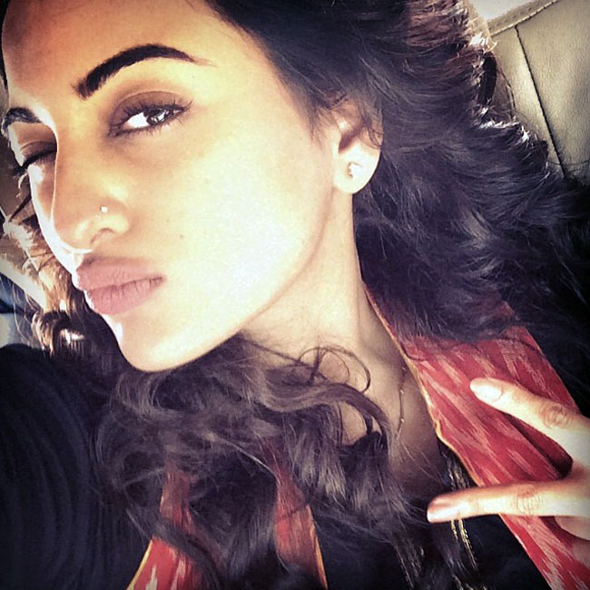 Nepali Cute Girl Wallpaper Time For A Selfie Sonakshi Sinha Winks Pouts Poses And