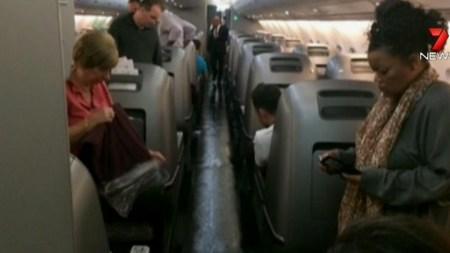 Qantas Superjumbo Forced To Turn Back