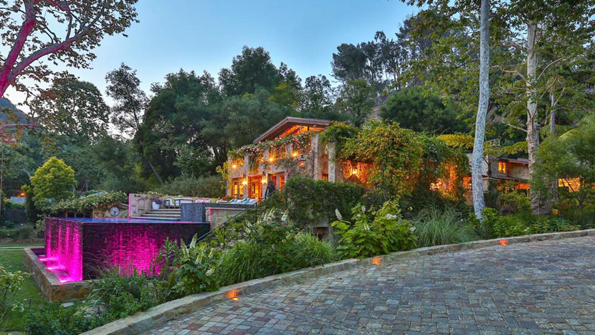 Fullsize Of Jennifer Lopez House