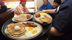 Prissy Offers Free Slam Breakfasts To Mobile Online Eaters Denny S Slam Price Slam Breakfast Price