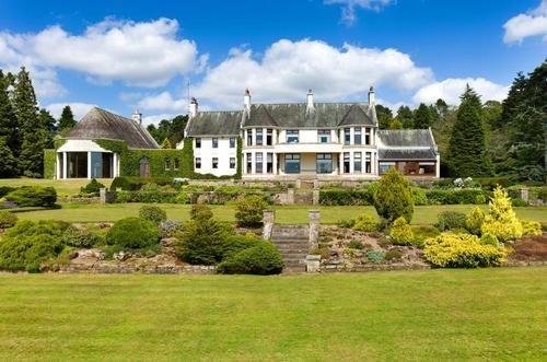 Grand scottish houses