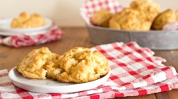 Excellent Our Copycat Red Lobster Cheddar Bay Biscuits Recipe Is So Good Copycat Cheddar Bay Biscuit Recipe Cheddar Bay Biscuit Mix Recipes