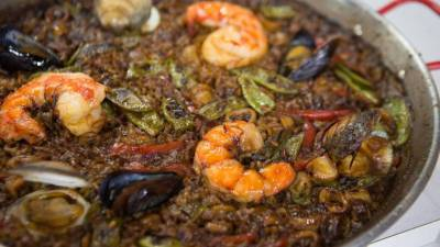 The best Spanish seafood paella recipe and sparkling sangria
