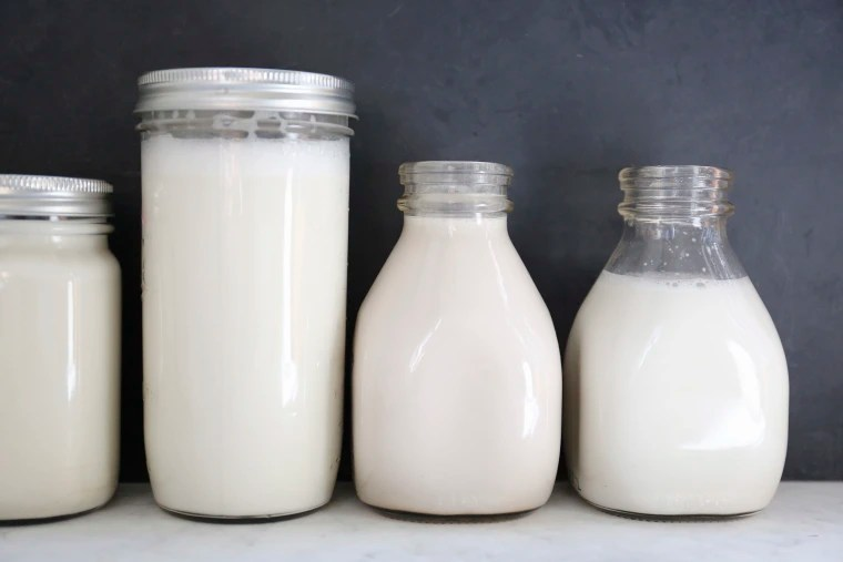 Plant-based milk vs cow\u0027s milk What\u0027s the difference?