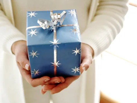 Think twice before giving the boss a gift - Business - Careers NBC